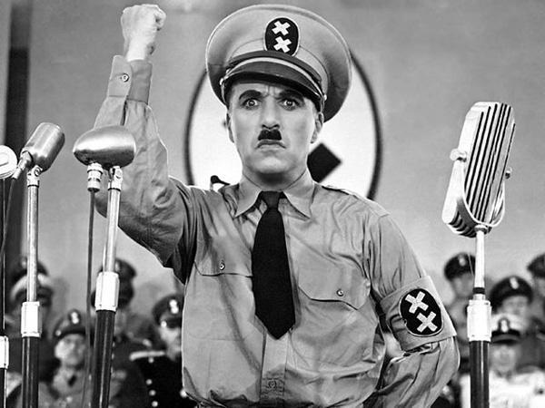 """Чарли Чаплин във """"Великият диктатор"""""""
