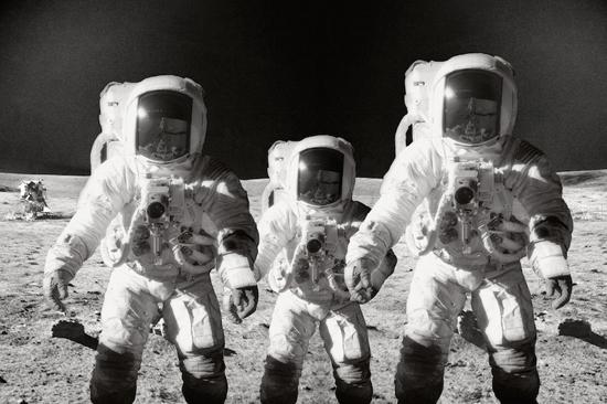 KT_AstronautsFamily
