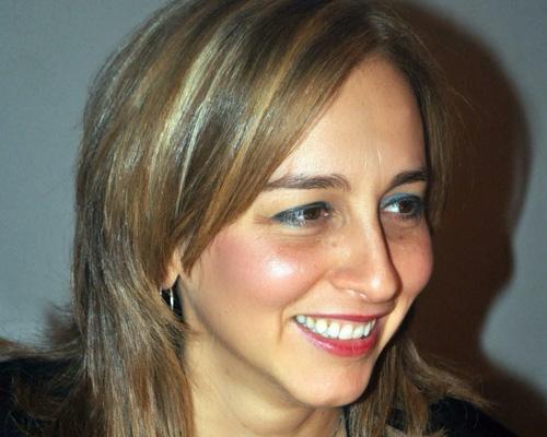 Boriana Nakeva1