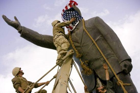 Saddam-statue09
