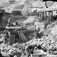 Klondike_mining_camp-09